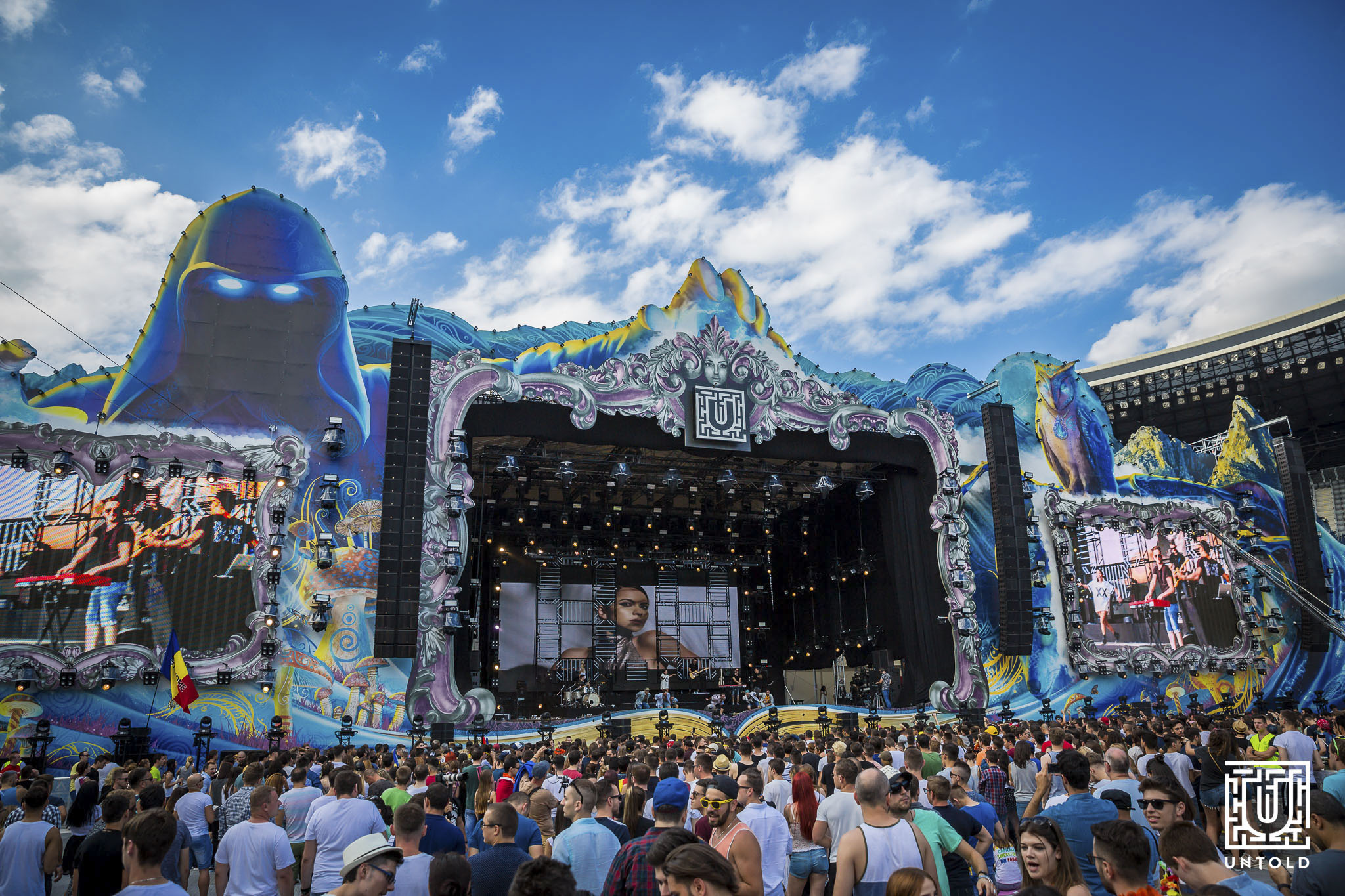 untold main stage during daylight